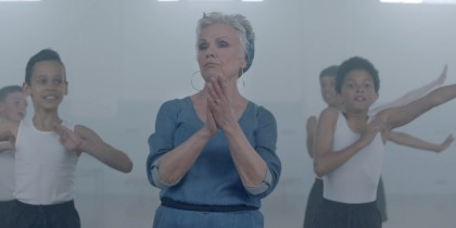 "Vision Express ""Eye Witness"" – featuring Julie Walters"